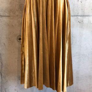 Gianni Bini Dresses - Gianni Bini Velvet Dress